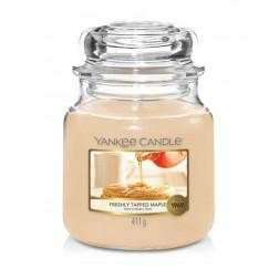 Yankee Candle Freshly Tapped Maple  średnia świeca zapachowa Jesień 2021