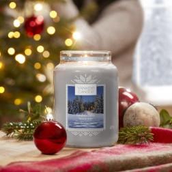 Yankee Candle Candlelit Cabin Duża świeca zapachowa Zima