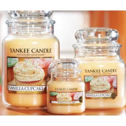 Yankee Candle Vanilla Cupcake średnia świeca zapachowa